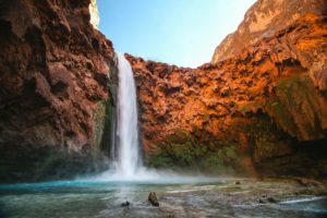 Project Management: Agile versus Waterfall explained in simple words